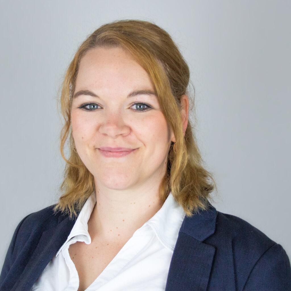Nina-Kapels-Empfang-Sekretariat-Hillmann-und-Partner-Rechtsanwaelte-Oldenburg